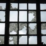 Was ein zerbrochenes Fenster mit Veränderungen zu tun hat